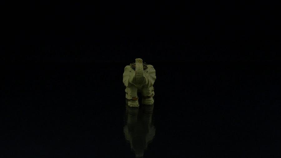 Продуктова видеография на черен фон - product videography - black background